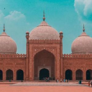 Masjid Badshahi yang Kemegahannya Sudah Terlihat dari Jarak 16 Km, Pernah jadi Pangkalan Militer