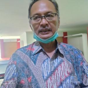 Tercurah dalam Sastra, Tergetarnya Hati Rektor UIN Malang Melihat Dua Sosok Wanita di Tlogomas