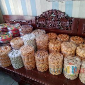 Sambut Lebaran, Penjualan Kue Kering di Kota Batu Meningkat