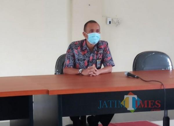 Kepala BNN Kota Malang, AKBP Agus Irianto saat memberikan penyuluhan di DPUPRPKP (Anggara Sudiongko/MalangTIMES)