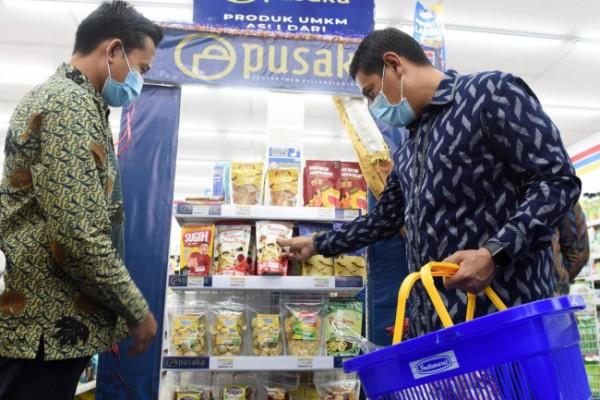 Pemkot Kediri memasarkan produk pelaku usaha kecil pada etalase khusus PUSAKA (Produk UMKM Asli dari Kota Kediri). (Foto: Ist)