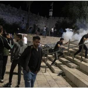 Aksi Bentrok Polisi Israel dengan Warga Palestina Pecah di Masjid Al-Aqsa, 178 Warga Luka-luka