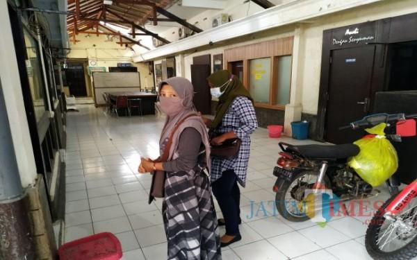 Korban arisan saat di Satreskrim Polres Tulungagung / Foto : Anang Basso / Tulungagung TIMES
