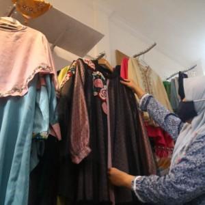 Keren! Kreasi Fashion Sulam Tangan Buatan Warga Kota Malang Ini Tembus Pasar Internasional