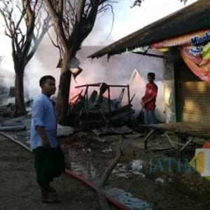 Jelang Buka Puasa, 8 Lapak dan Toko di Pasar 17 Agustus Terbakar