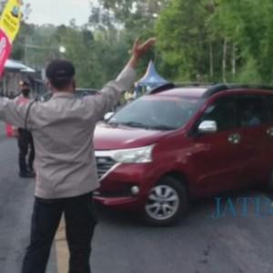 Masih Banyak yang Nekat Mudik, Petugas Putar Balikkan Kendaraan
