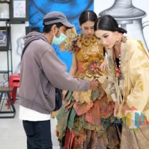 Mengenal Batik Ecoprint, Begini Cara Pembuatannya