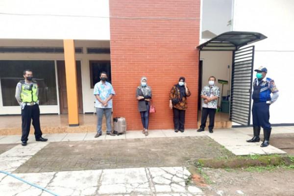 Beberapa OPD saat menjemput pekerja migran. (Foto: istimewa)