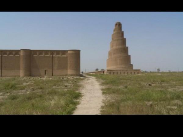 Menara Malwiya, menara spiral di Masjid Agung Samarra, Irak. (Foto: iStockphoto/coddy).