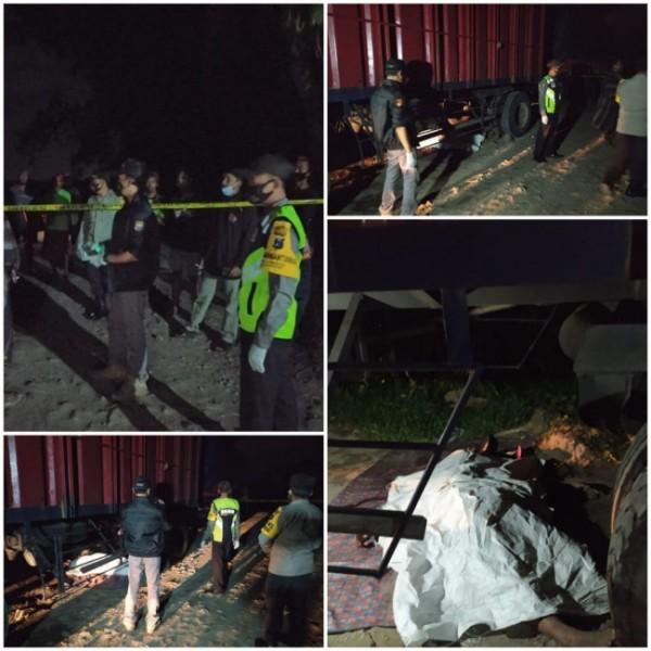 Polisi melakukan olah TKP dan mengevakuasi jasad korban Hariono.(Foto : Humas Polres Blitar for BLITARTIMES)