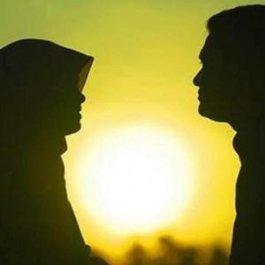 Mana Yang Harus Didahulukan Wanita: Orang Tua atau Suami?