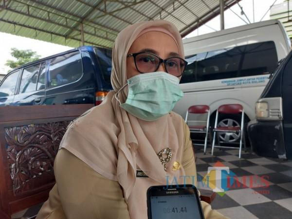 Kepala Bidang Rehabilitasi Perlindungan Jaminan Sosial Dinsos P3AP2KB Kota Malang Titik Kristiani. (Foto: Tubagus Achmad/MalangTIMES)