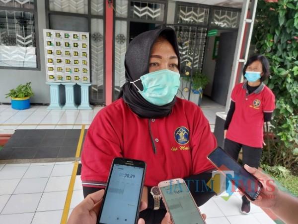 Kepala Lembaga Pemasyarakatan (Lapas) Perempuan Kelas IIA Malang Tri Anna Aryati saat ditemui MalangTIMES.com, Selasa (6/4/2021). (Foto: Tubagus Achmad/MalangTIMES)