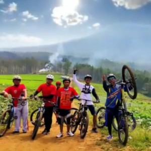 Bersepeda, Bukit Jengkoang Bisa Jadi Rute Ciamik di Kota Batu