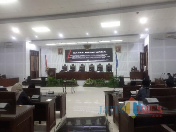 Rapat Paripurna di Ruang Sidang DPRD Kota Malang. (Arifina Cahyanti Firdausi/MalangTIMES).