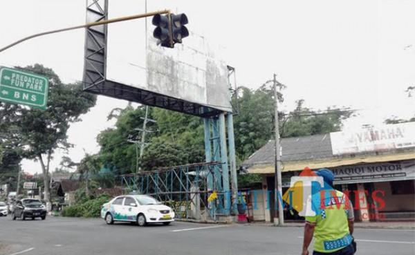 Saat ini Jl Ir Soekarno Kota Batu ada dua jalur. (Foto: Irsya Richa/ MalangTIMES)