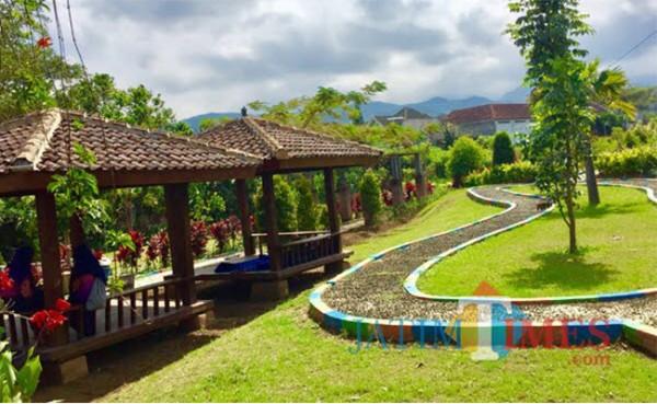 Taman Kenanga Kota Batu. (Foto: Irsya Richa/MalangTIMES)