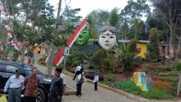 Ilustrasi suasana kampung topeng yang berada di wilayah Kecamatan Kedungkandang, Kota Malang. (Foto: Dok. JatimTIMES)
