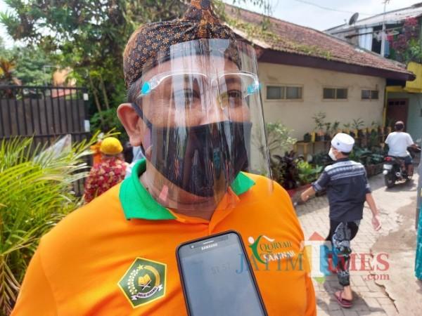 Kepala Seksi Penyelenggaraan Haji dan Umroh Kantor Kementerian Agama RI Kota Malang Amsiyono saat ditemui MalangTIMES.com, Kamis (6/5/2021). (Foto: Tubagus Achmad/MalangTIMES)