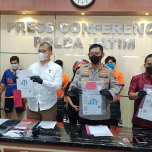 Jelang Lebaran, Polda Jatim Bongkar Sindikat Pembuat Ratusan Surat Swab Fiktif