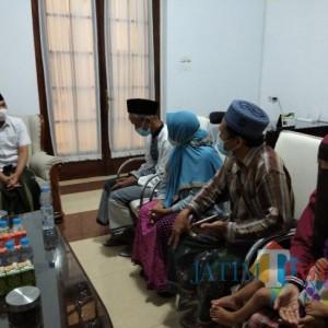 Wanita Berani Sebut Bupati Lumajang Berkiblat ke PKI, Orangtuanya Yang Meminta Maaf