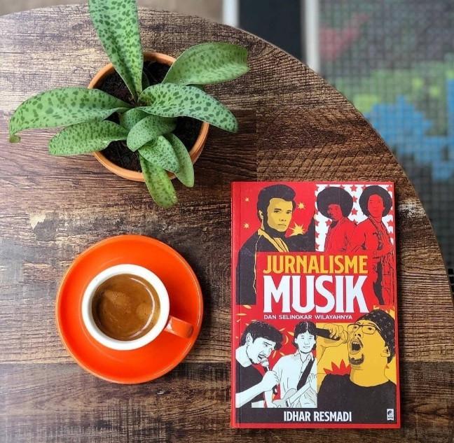 Buku Jurnalisme Musik dan Selingkar Wilayahnya.