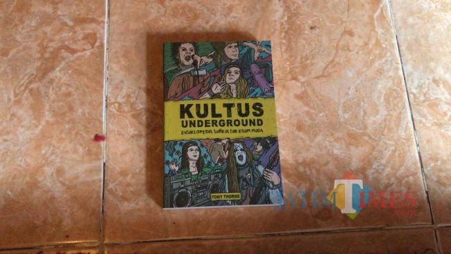 Buku Kultus Underground.