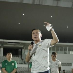 Sebelum Berangkat Ke Dubai, Ketum PSSI Beri Motivasi Kepada Timnas Indonesia