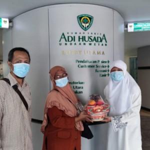 Pimpinan DPRD Surabaya Besuk Atlet Wushu Berprestasi, Reni Astuti: Terima Kasih KONI Jatim
