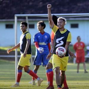 Pelatih Arema Telah Tiba di Indonesia, Masih Jalani Karantina di Jakarta