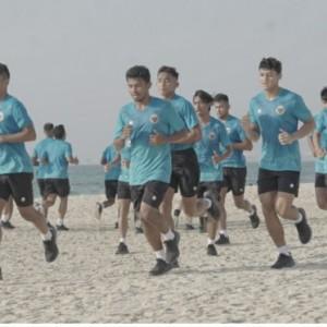 Tiba di Dubai, Timnas Indonesia Latihan Perdana di Pantai