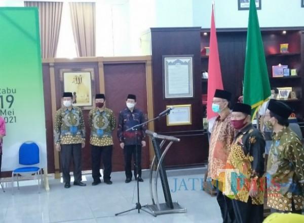 Suasana saat serah terima jabatan Kepala Biro AAKK dan juga Kepala Biro AUPK di UIN Maliki Malang (21/5/2021)(Anggara Sudiongko/MALANGTIMES)