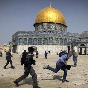 Polisi Israel & Warga Palestina Kembali Bentrok di Masjid al-Aqsa Usai Gencatan Senjata, 15 Orang Luka-luka