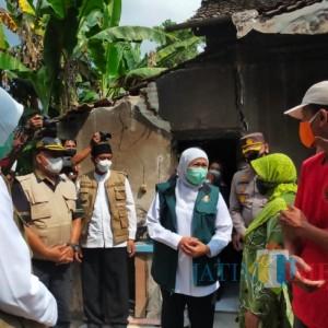 Gubernur Jatim Tinjau Korban Bencana Gempa di Blitar, Salurkan Bantuan dan Minta Warga Tidak Panik