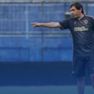 Arema FC Masih Belum Menambah Pemain Baru Asing
