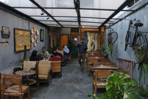 Salah satu coffeeshop di Malang. (Foto: Kumparan)