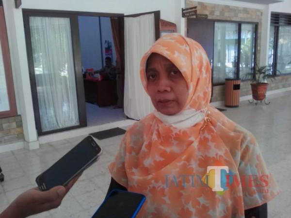 Neni Vinatin Dyah Martiva, Ketua PansusRaperda Perubahan Perda Retribusi Perijinan Tertentu DPRD Banyuwangi (Istimewa)