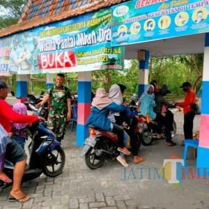 Hari Pertama Dibuka, Wisata Pantai di Lumajang Mulai Didatangi Pengunjung