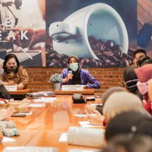 Gelar Workshop Pelatihan Penulisan Konten Kreatif buat UMKM, Ini Harapan Ketua Dekranasda Kota Kediri