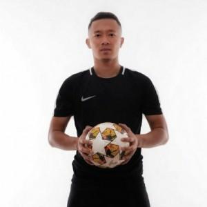 Belum Pensiun, Dendi Santoso Dirikan Sekolah Sepak Bola di Malang