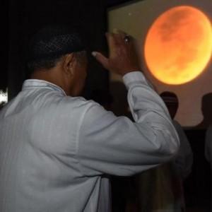 Malam Ini Gerhana Bulan Total, Berikut Niat dan Tata Cara Salat Gerhana Bulan