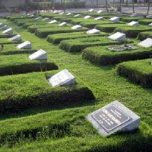 Tak Banyak Yang Tahu, Ini Larangan Duduk dan Menginjak Kuburan Orang Lain Menurut Rasulullah