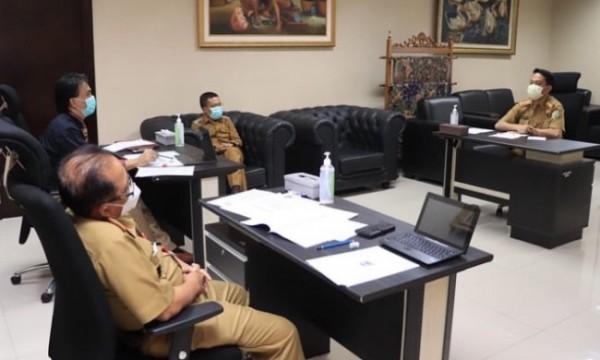 Uji gagasan dan wawancara calon peserta seleksi terbuka jabatan tinggi pratama di Balai Kota Among Tani beberapa saat lalu. (Foto: istimewa)