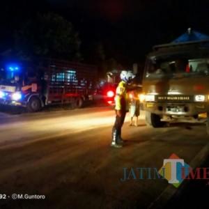 Truk Tebu Terguling, Sebabkan Arah Lumajang Probolinggo Macet 12 Kilometer