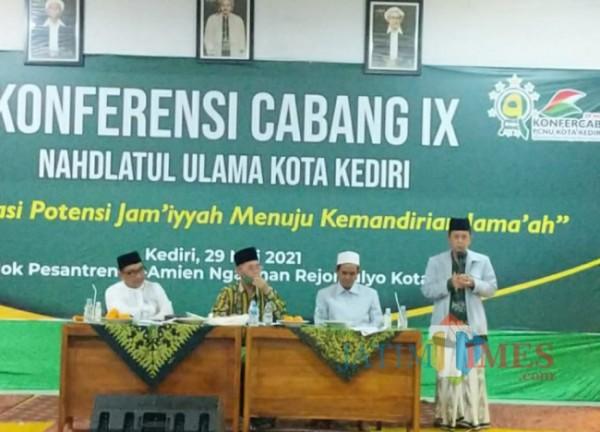 Abu Bakar Abdul Jali atau biasa dipanggil Gus Ab saat memberikan sambutan.(eko arif s/jatimtimes)