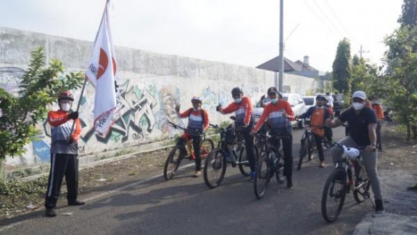 Departemen Olahraga dan Kebugaran Bidang Kepanduan DPD PKS Kota Malang memeriahkan puncak Milad PKS ke 19. Upaya tersebut dilakukan dengan menggelar senam bersama yang dilanjutkan dengan gowes sejauh 19 Km dan jogging sejauh 1,9 km (Ist)