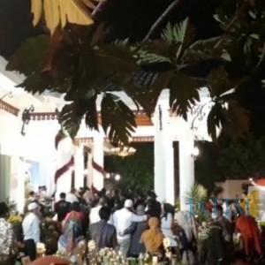 Gubernur Khofifah Tuding Berita Pesta Ultah Tak Obyektif, Wartawan Senior: Pejabat Jangan Seenaknya Menyalahkan