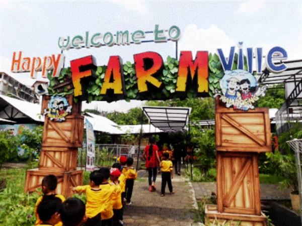Siswa saat masuk di salah satu wisata Happy Farm di Kampoeng Kidz SPI Kota Batu. (Foto: istimewa)