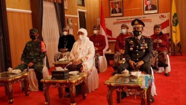Wakil Bupati Sumenep, Hj. Dewi Khalifah bersama jajaran Forkopimda setempat saat mengikuti Upacara Hari Lahir Pancasila secara virtual (Foto: Kominfo for SumenepTIMES)