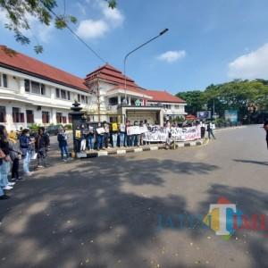 Solidaritas Malang Melawan Gelar Aksi Melawan Pelemahan KPK